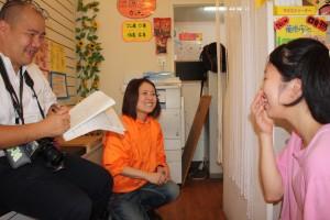 ドッグセラピー活動を朝日新聞が取材に来ました
